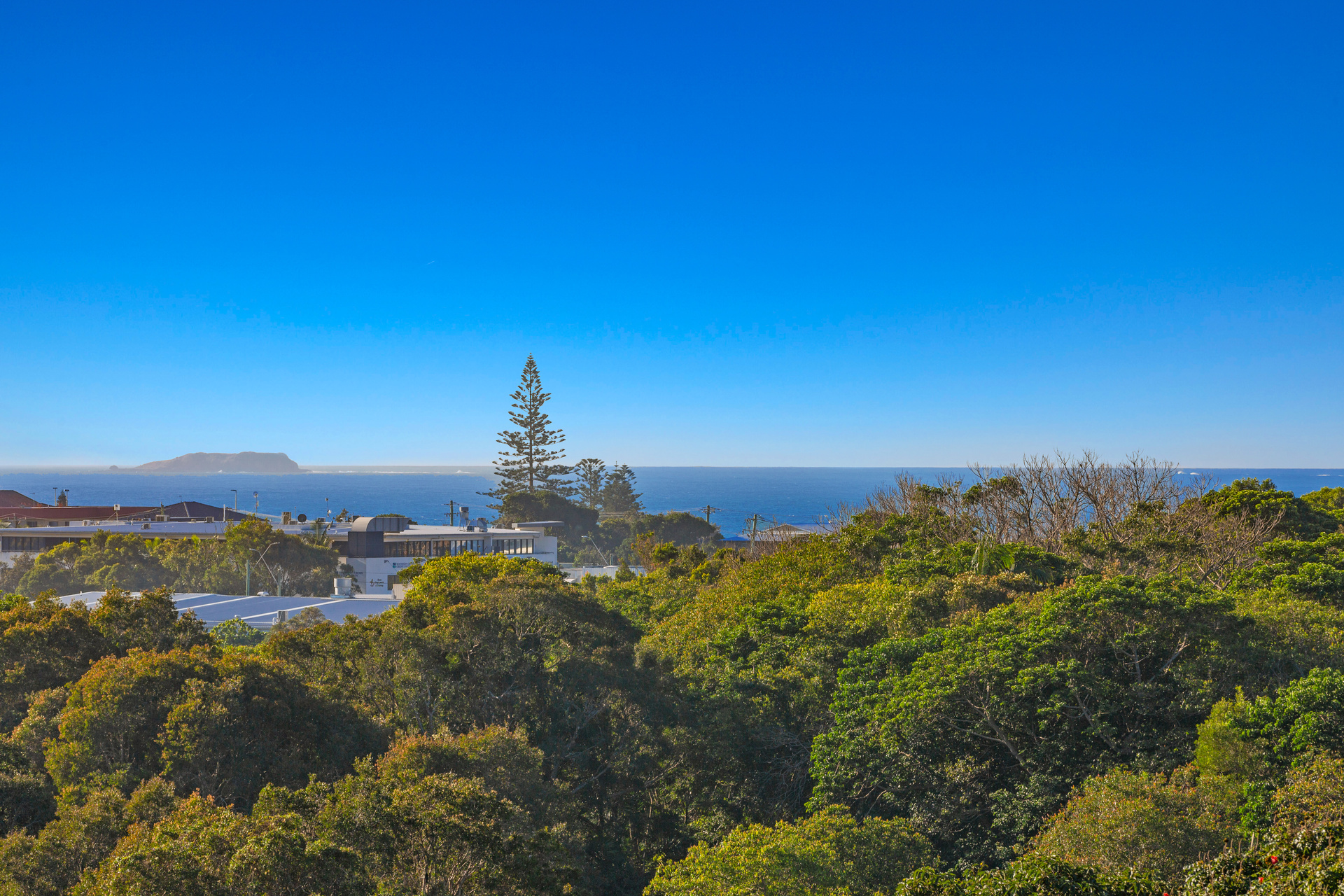 Expansive Ocean Views - Kingscliff Hill